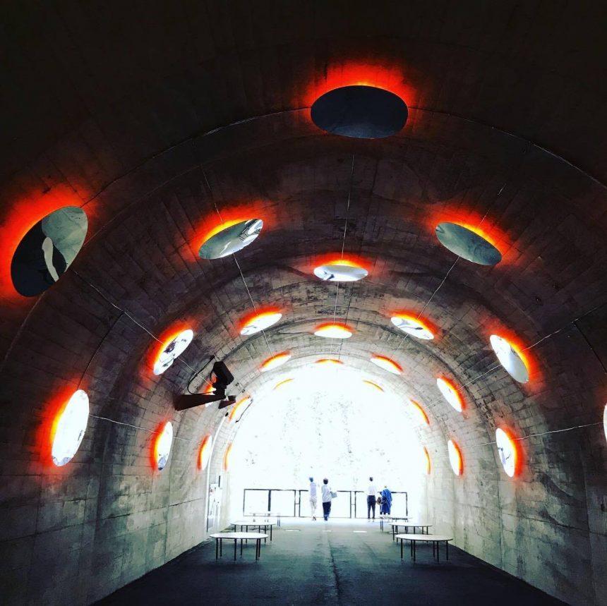 清津峡トンネル内の点在するアート